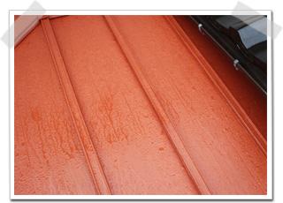 サビ止め塗装をした日の夜に雨が降りましたが、次の日の朝に確認したところ、塗装に影響は、全くありませんでした。