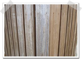 木の外壁や塀の塗装が一面だけ、はげてくる事があります。