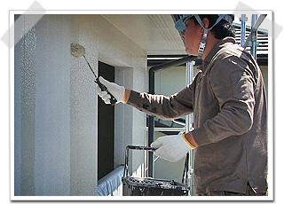 外壁サイディングの中塗り