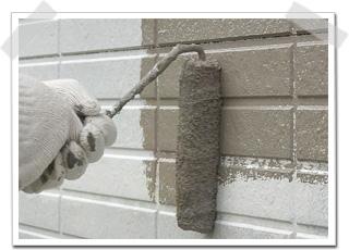タイル調 外壁サイディングの中塗り
