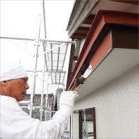 富山県魚津市 住宅外壁の塗り替え トタン部分の仕上げ塗装