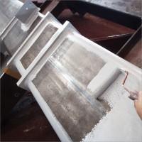 鉄工所さんで大型 新築工場用の柱のサビ止め塗装