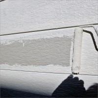 富山県南砺市の塗り替え 外壁スチールサイディングの下塗り