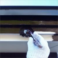 富山県南砺市の塗り替え 木の軒先・破風の上塗り