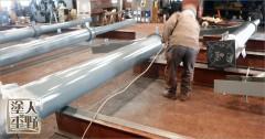 工場内で北陸新幹線 駅に使われる鉄骨フレームの特殊な塗装 Part.3